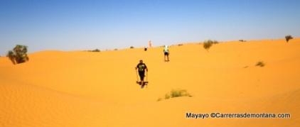 22-100km sahara etapa3 biden a campo2 30k 30abr14 (16)