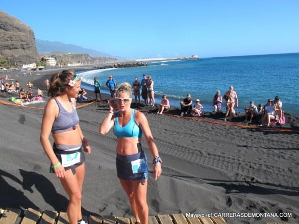 Fotos Transvulcania 2015: Emelie Forsberg y Anna Frost en salida Kilómetro Vertical.